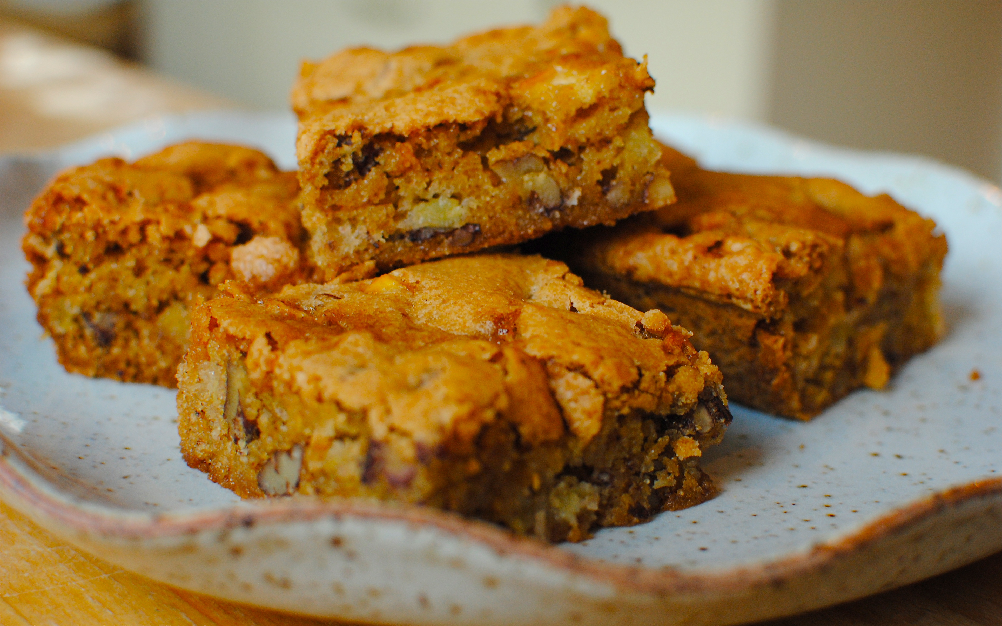 Old-fashioned Fresh Apple Cake | food to glow