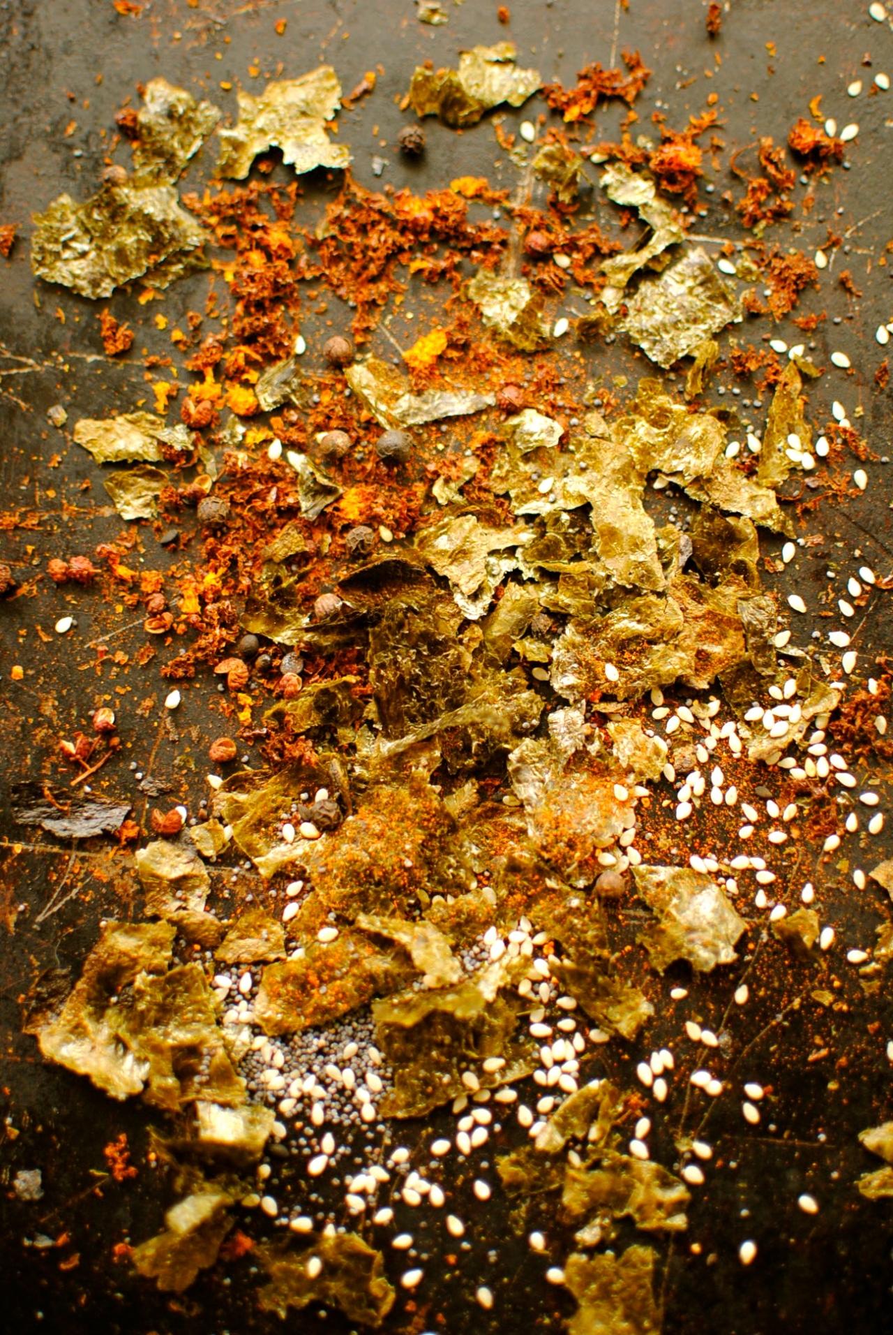 making togarashi - japanese seasoning