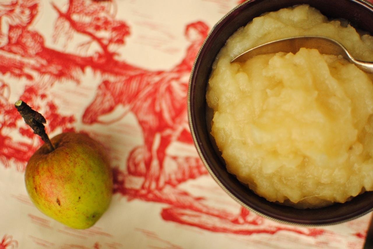 canilla-apple compote