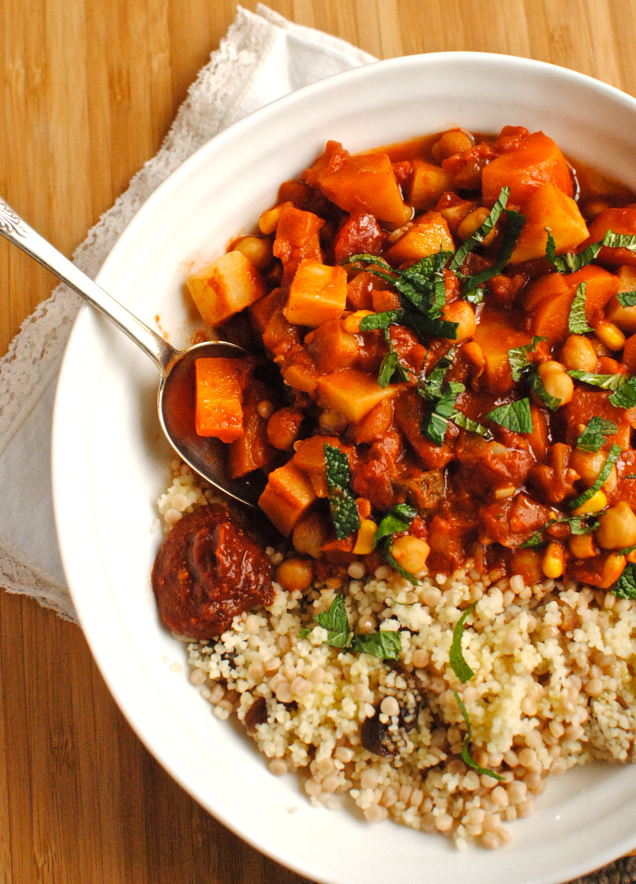 Tunisian chickpea and vegetable tagine food to glow for Cuisine vegan
