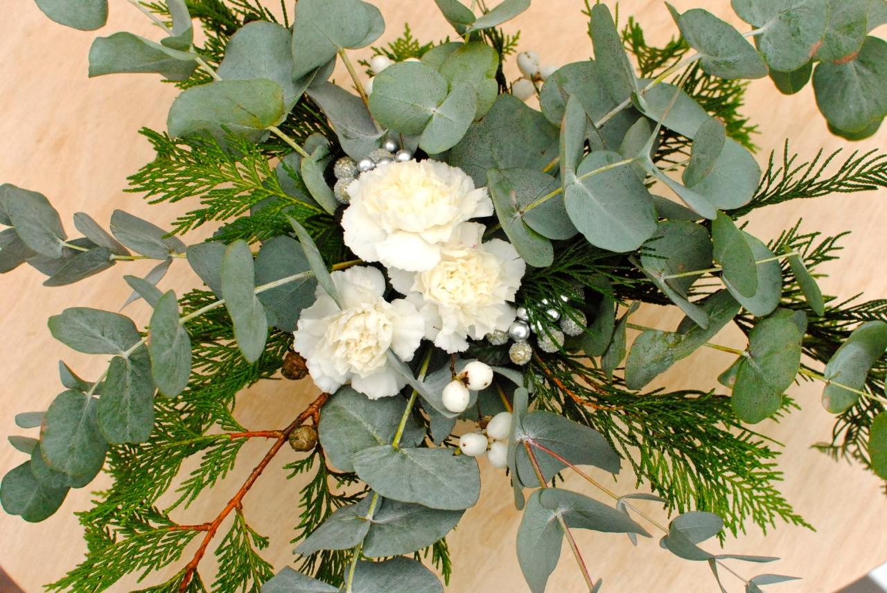 festive table decoration