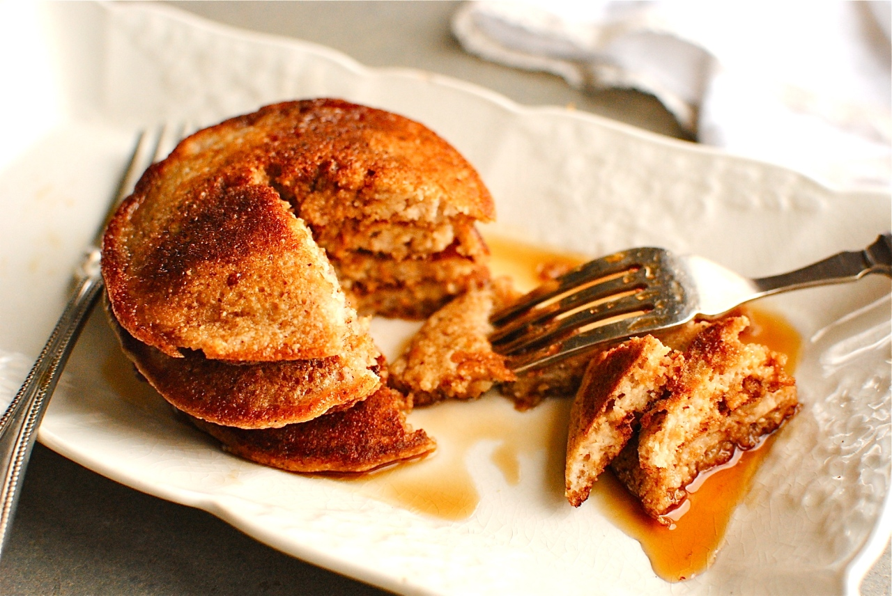 apple pie pancakes with slated caramel