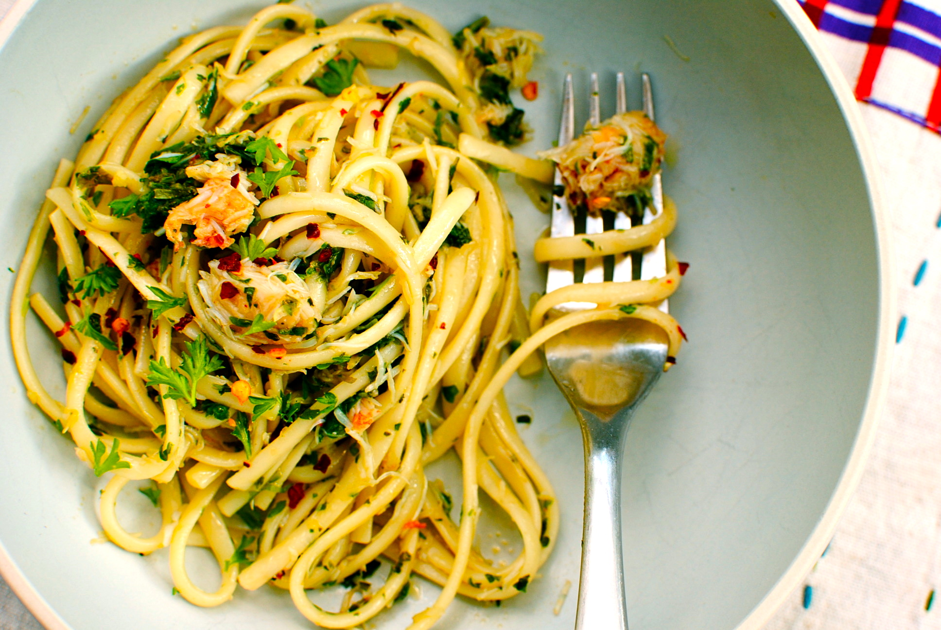 Linguine with Spring Herbs, Chilli and Crab | food to glow