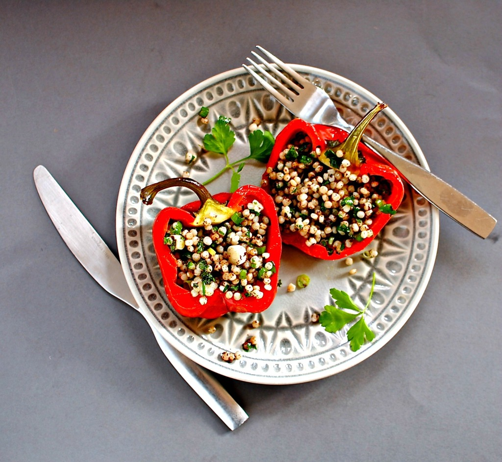 mediterranean stuffed peppers - vegan