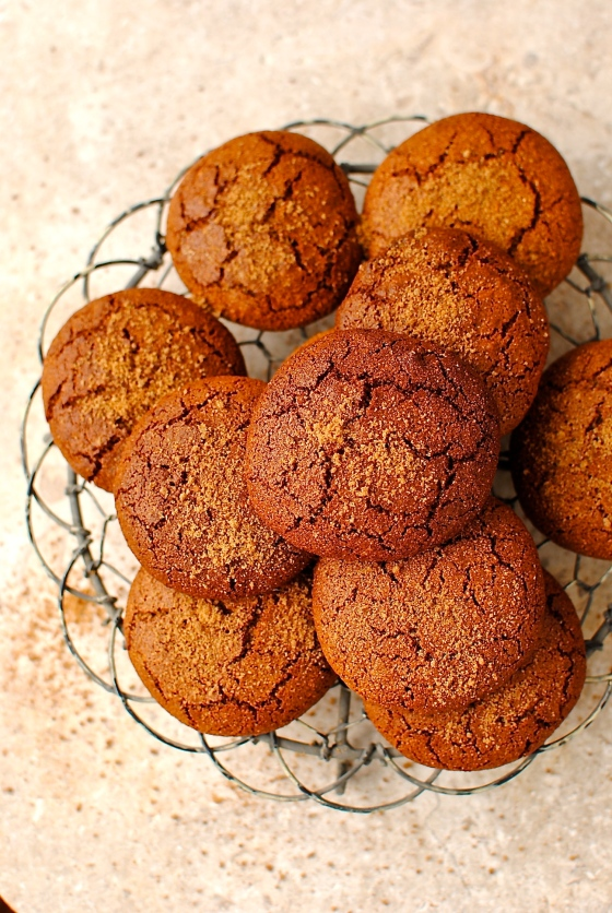 Soft and Chewy Molasses Crinkle Cookies (grain-free ...