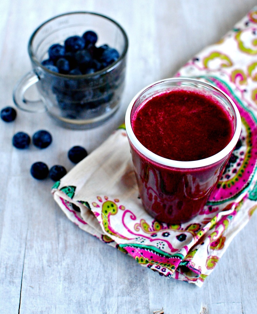 pomegranate and berry juice // food to glow