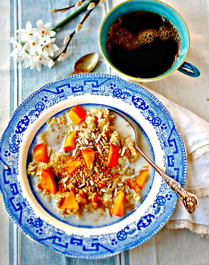bee pollen quinoa and oat porridge // food to glow