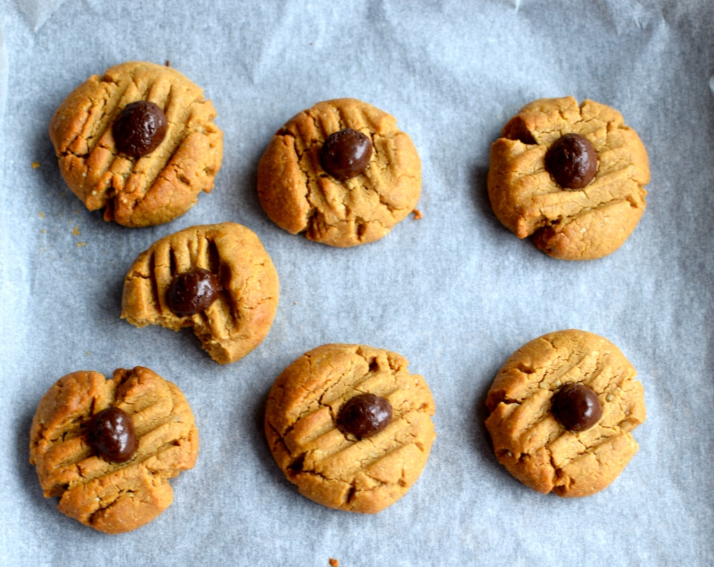 cashew and coffee cookies // food to glow #vegan #glutenfree #grainfree #baking #nuts