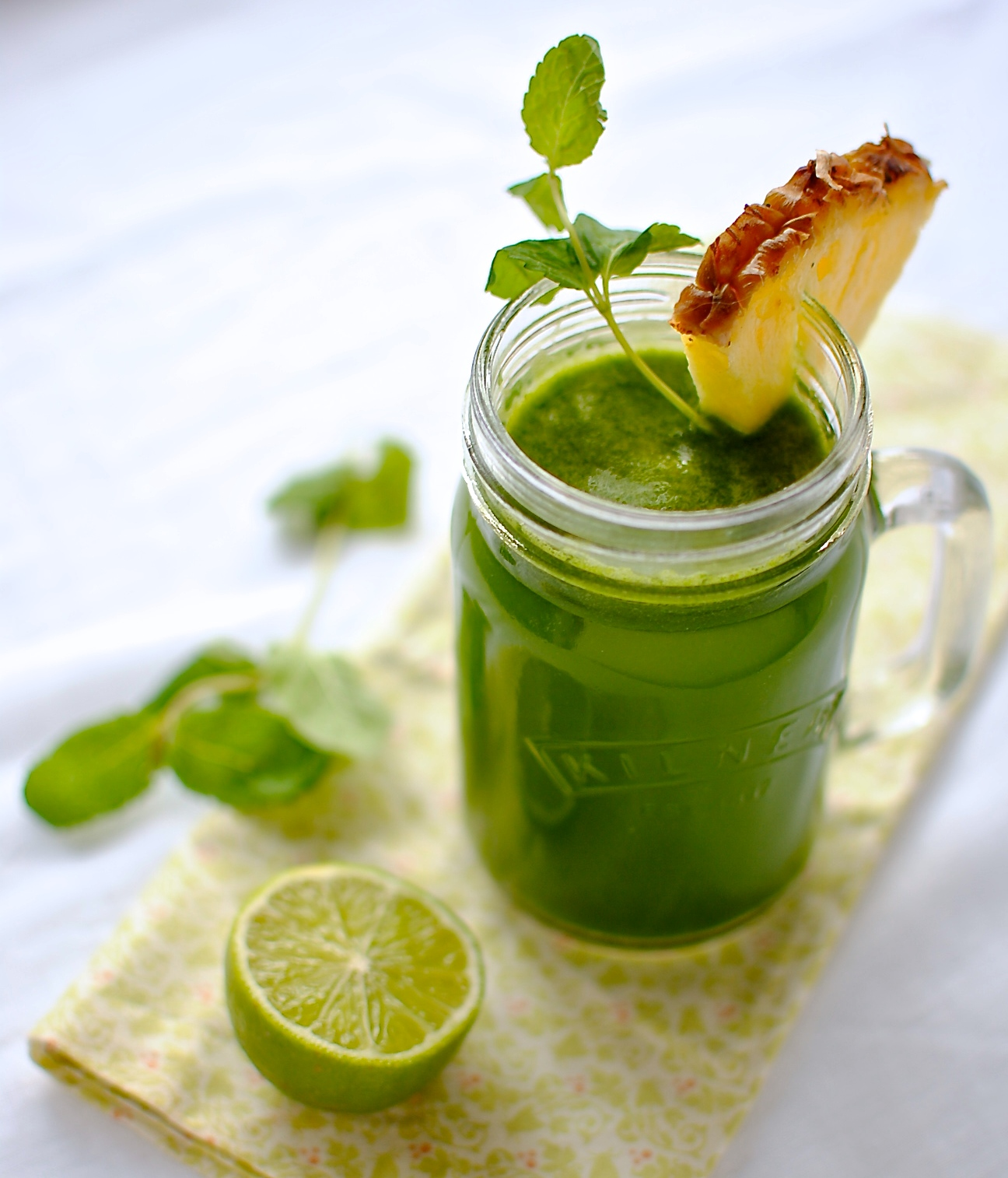 Slow Juicer Spinach : Froothie Optimum 600 Whole Fruit Slow Juicer Reviewed + 4 Easy Recipes food to glow