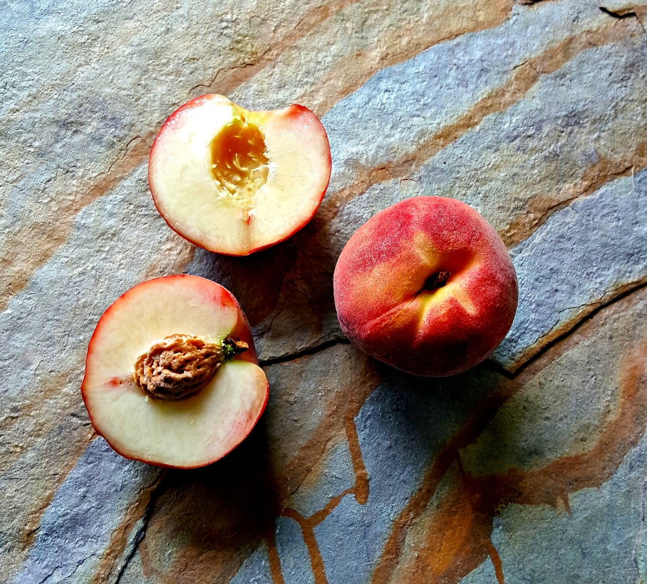 Italian peaches // food to glow