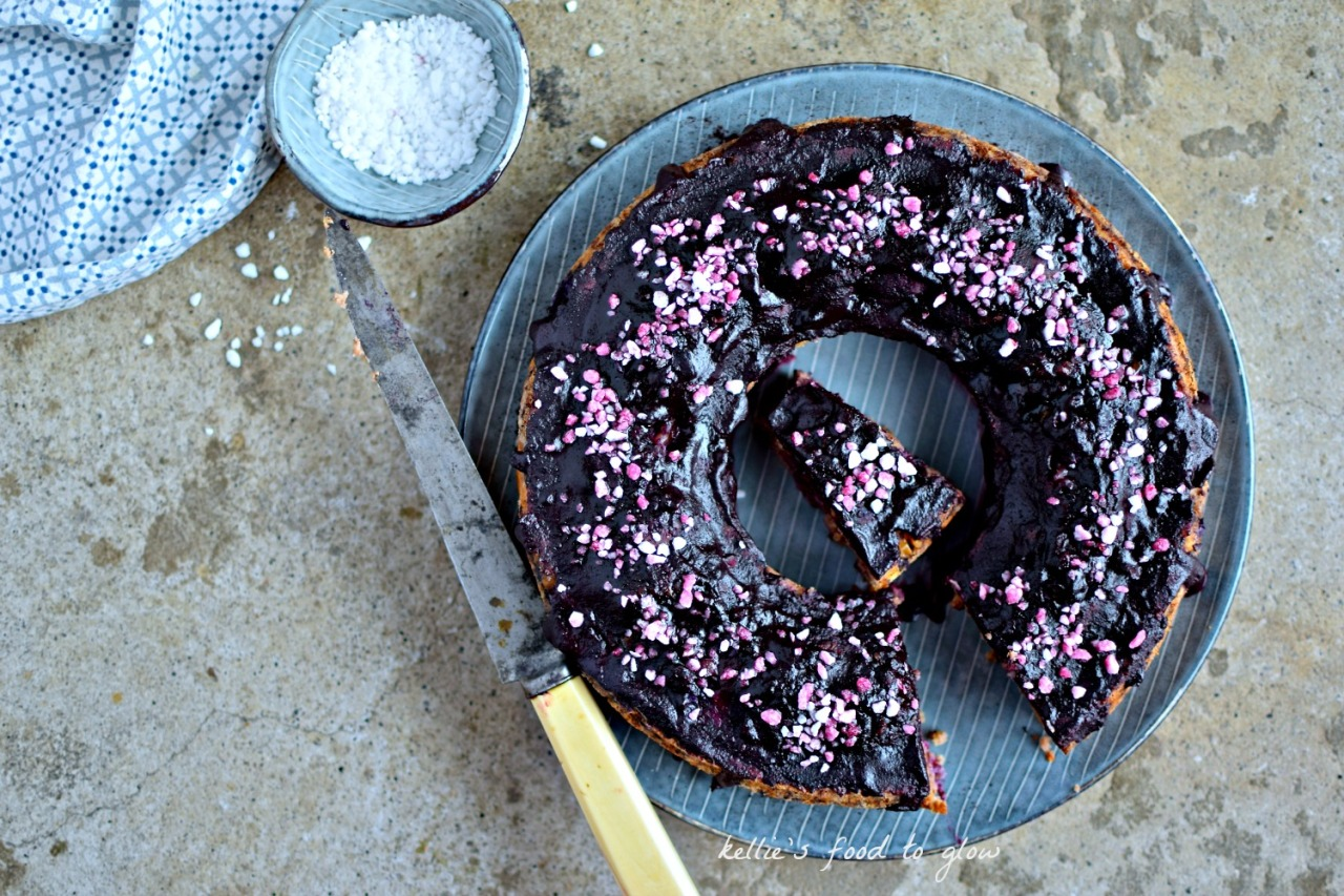 This is a Scandinavian-influenced banana bread that thinks it's a cake, with optional naturally-coloured and flavoured blueberry glaze. Gluten-free, vegan and lower in sugar, my blueberry and cardamom banana cake is a delightfully soft and squidgy breakfast cake or healthy snack.
