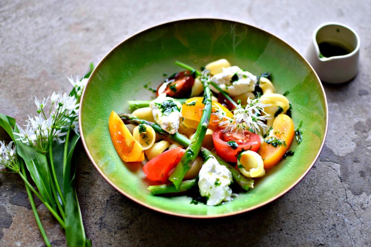 asparagus-tomato-preserved-lemon-ricotta-pasta3.jpg