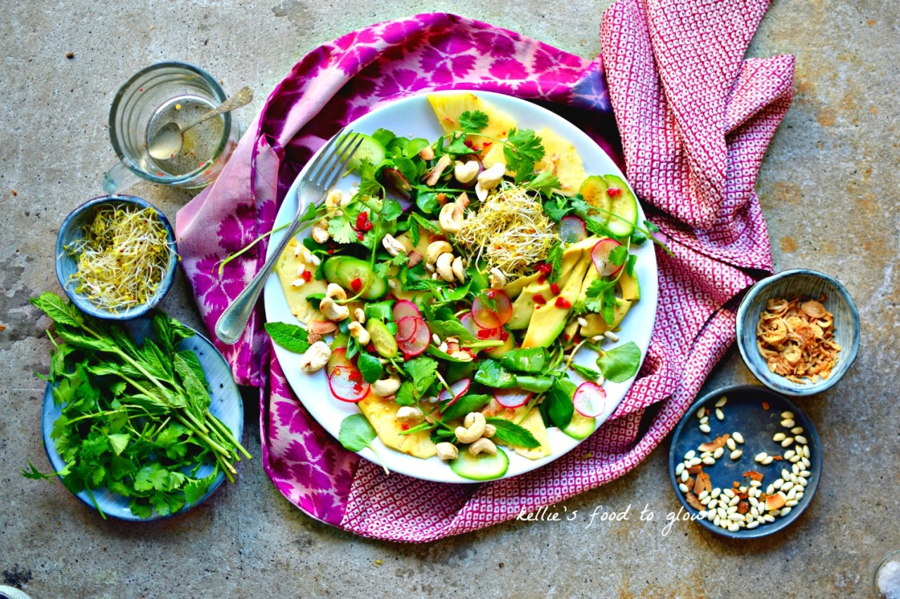Creamy avocado, crunchy cashews, soft herbs and drinkable salty-sweet-sour Thai dressing for a light vegan supper. Plenty of protein and healthy fats. Loads of ideas to make it suitable for everyone in your family.