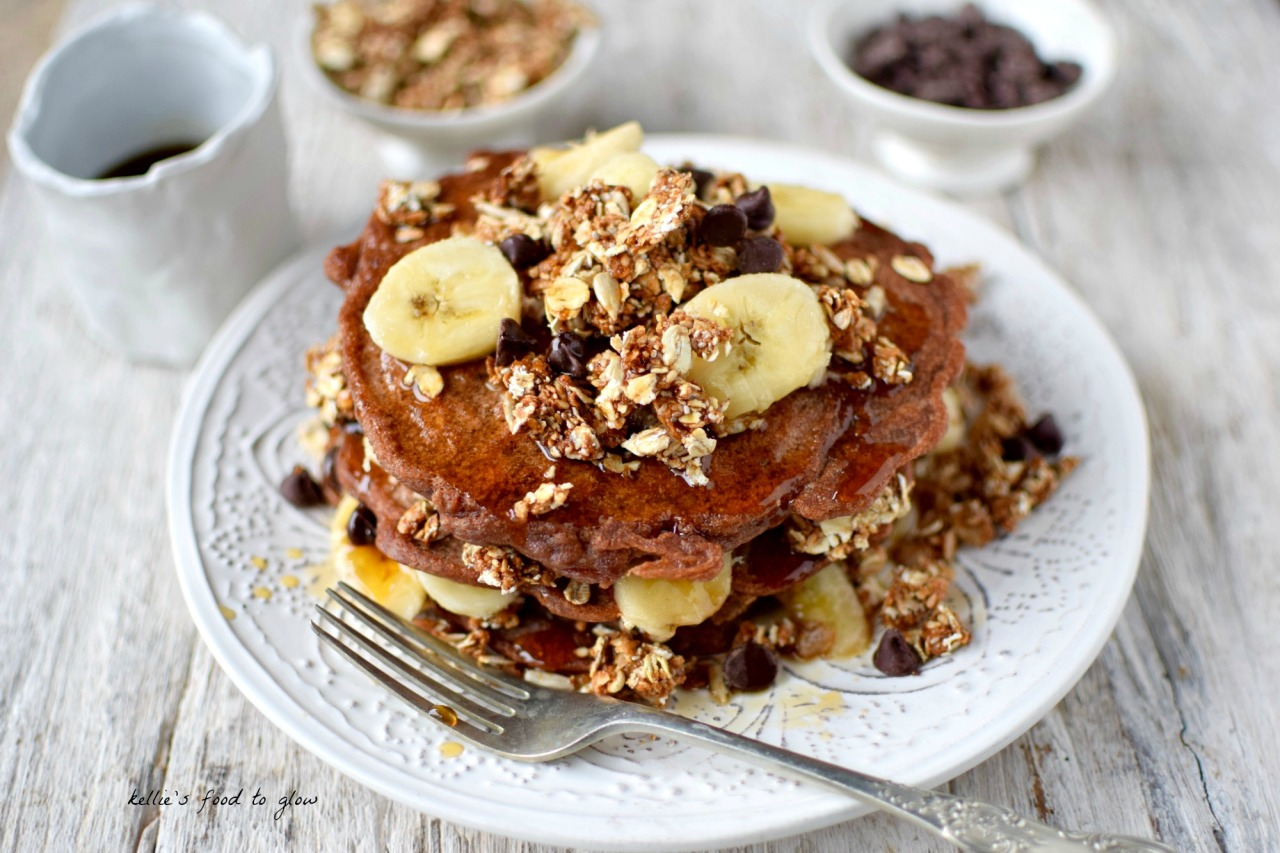 American-style Chocolate and Granola Pancakes