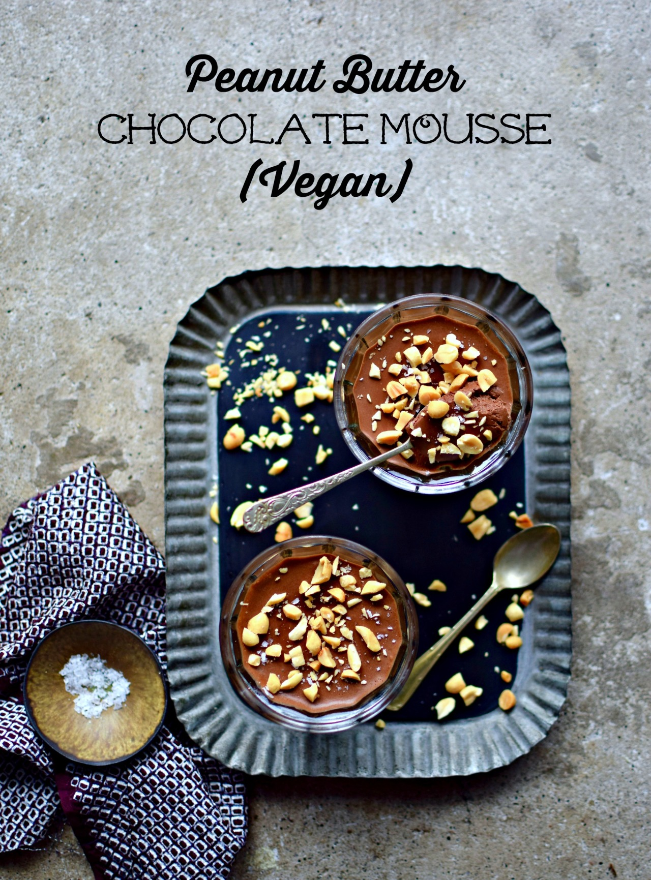 A slightly sweet, vegan chocolate moussemade withaquafabaand protein-packed peanut butter powder. Easy, light and perfect for a family or special occasion dessert. Top with crushed salted peanuts or pretzels for a flavour and texture contrast.
